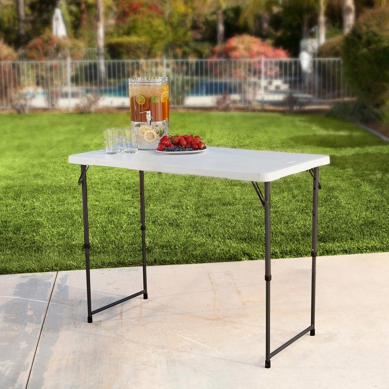 Thin Table For Banquets